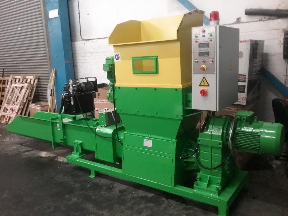 CP370 EPS Polystyrene Compactor: capacity 10 to 20 cubic metres per hour